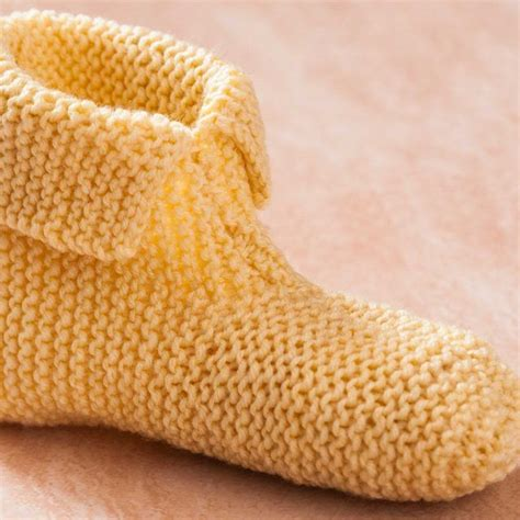 easy knitted slippers for beginners 25 best ideas about knitted slippers on knit