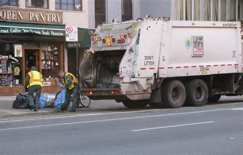 Garden City Ny Garbage Up A Smart Way To Cut On Garbage Trucks