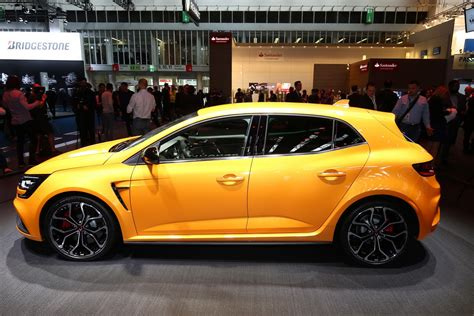 Renault Megane Rs by 2018 Renault Megane Rs Breaks Cover With Alpine A110 S