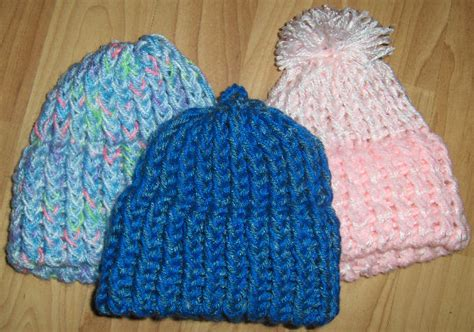 knitting hat on loom learn to make loom knit regional news wiscnews