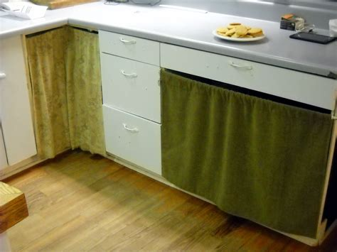 how to replace kitchen cabinets 100 how to replace kitchen cabinet doors changing