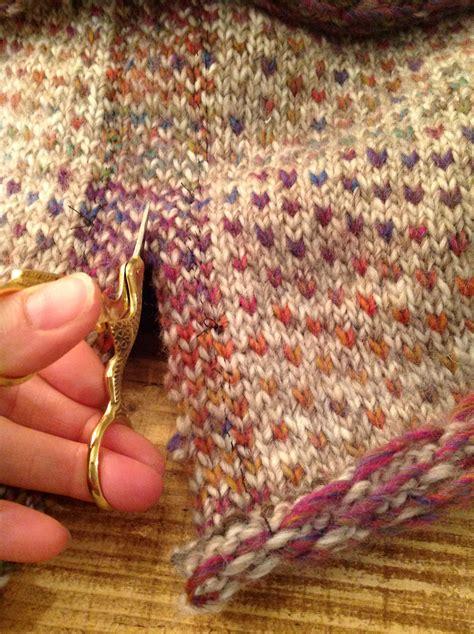 cutting knitting tutorial how to steek the twisted yarn