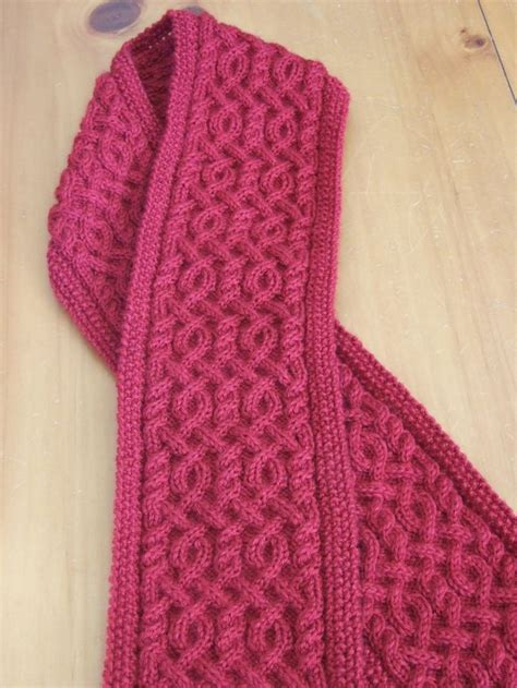 how to knit a cable scarf 25 best ideas about cable knit scarves on