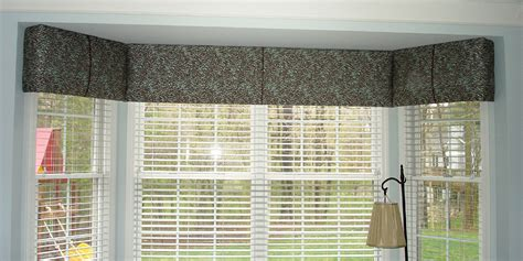 Curtain Rods For Bow Windows a cornice can be economical 187 susan s designs