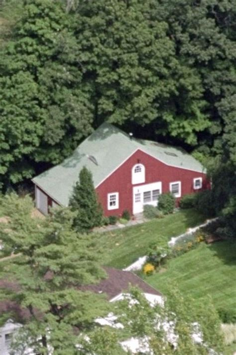 clinton chappaqua house clinton house in chappaqua ny pictures of