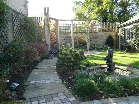small garden layout garden layout designs small large courtyard gardens