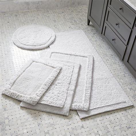 Spa Bathroom Rugs by Best 25 Bath Rugs Ideas On
