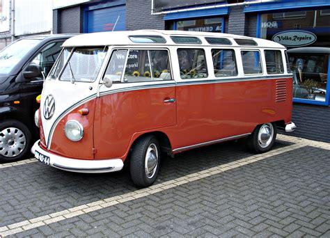 Volkswagen Minivan by Mini Volkswagen