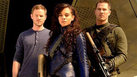 cast on the killjoys cast on their new syfy bounty series