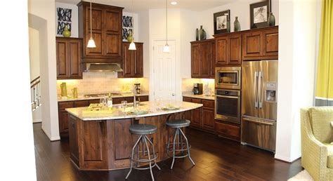 how to stain kitchen cabinets darker how to stain