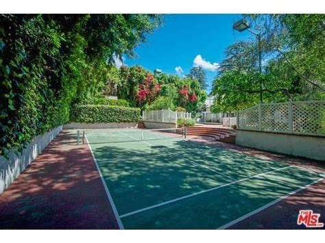 backyard court best 25 backyard tennis court ideas on tennis