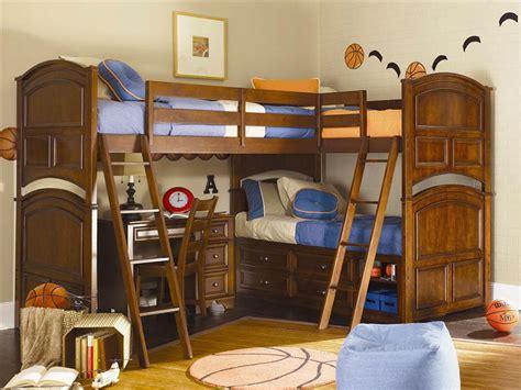 bunk beds for 3 or more camerette per bambini con 3 letti 25 idee di arredo