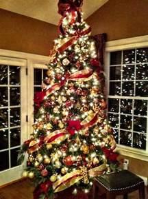 Christmas Tree Decorator by 20 Amazing Christmas Tree Decoration Ideas Amp Tutorials
