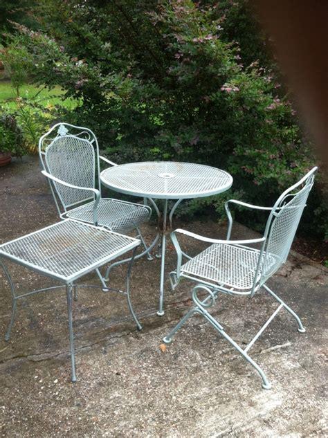repainting outdoor metal furniture repainting metal furniture easy as 1 2 3 auntie em s