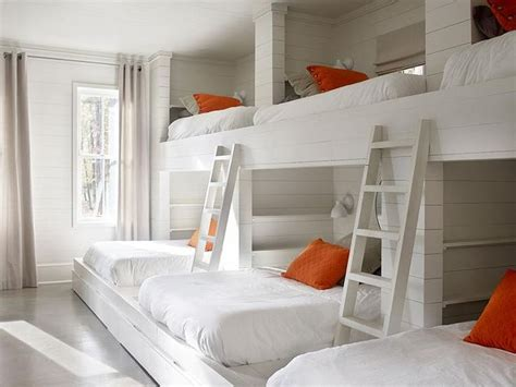 bunk beds for rooms 25 best ideas about bunk bed rooms on bunk