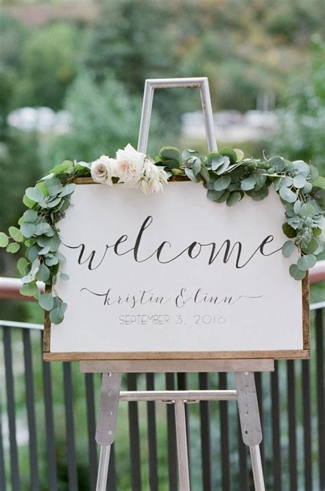 garden wedding flowers 25 best ideas about wedding signs on rustic