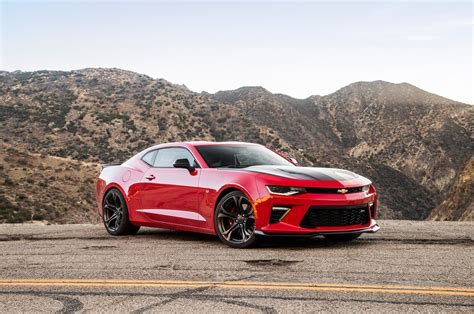 Chevrolet Camaro Ss 1le by 2018 Chevrolet Camaro Ss 1le Vs 2018 Ford Mustang Gt