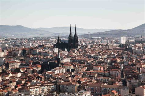 Location de voiture à Clermont Ferrand Sixt