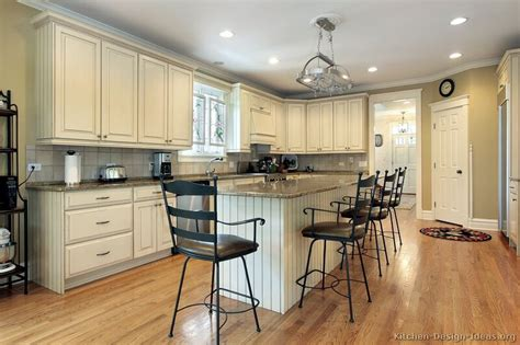 country kitchen white cabinets pictures of country kitchens with white cabinets decor