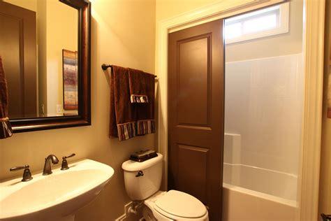 small bathroom decorating ideas apartment bathroom decorating ideas for comfortable bathroom