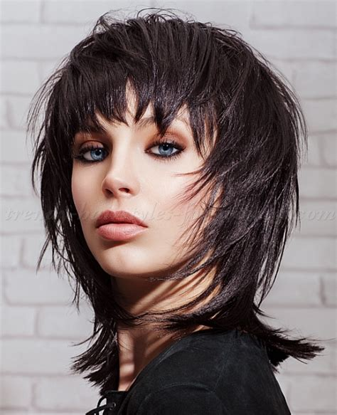feather cut hairstyle 60 s style feathered shaggy medium haircut newhairstylesformen2014 com