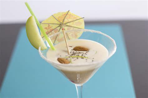 cocktail garnishes come guarnire un cocktail 7 passaggi illustrato