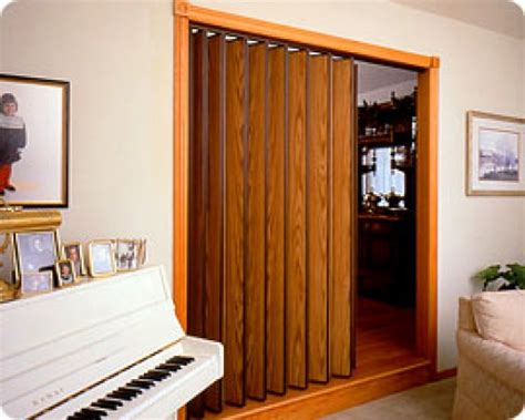 accordion room dividers folding doors accordion folding doors room dividers