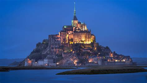 10 must see castles of the world planned traveller travel guides