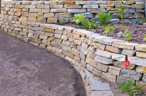 garden wall stones 27 backyard retaining wall ideas and terraced gardens