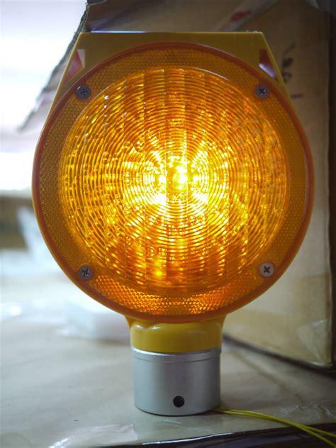 solar strobe light solar road safety products strobe light barricade light