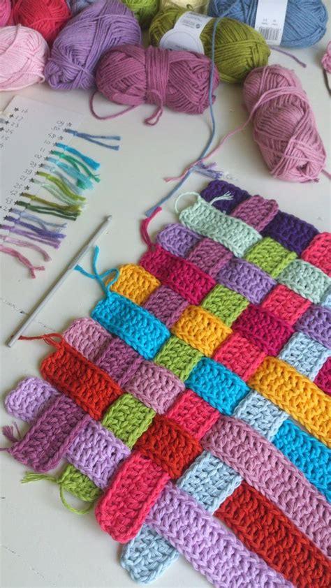 how to finger knit a blanket 17 best ideas about finger knitting on finger