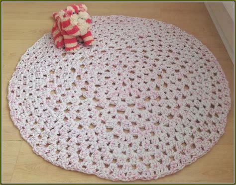 how to crochet a rag rug crochet rectangle rag rug pattern home design ideas
