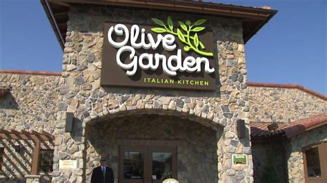 olive garden is bringing back all you can eat pasta pass nasdaq