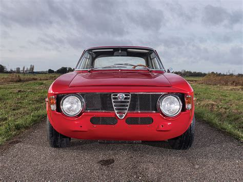 1965 Alfa Romeo Giulia by Pristine 1965 Alfa Romeo Giulia Sprint Gta Is A Vestige Of