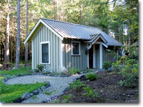 small backyard guest house in backyard cottage small backyard guest house