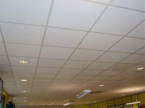 faux plafond suspendu en dalles isolantes d 233 co plafond platre