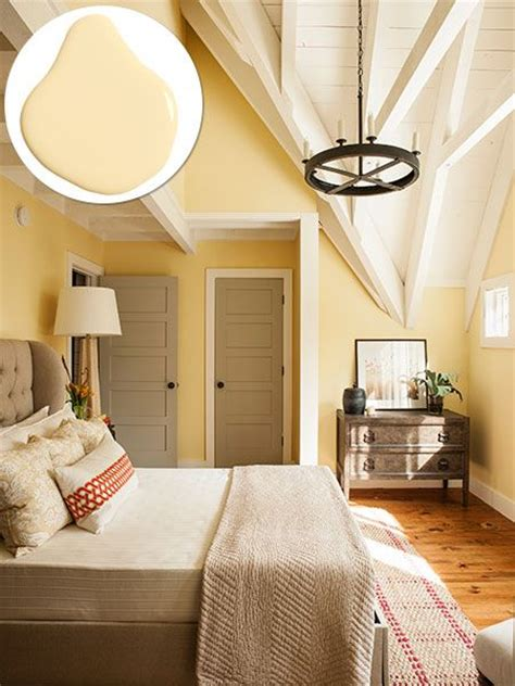 yellow bedrooms best 25 yellow walls ideas on yellow walls