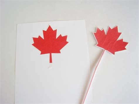 canada crafts for how to decorate for canada day with easy family crafts