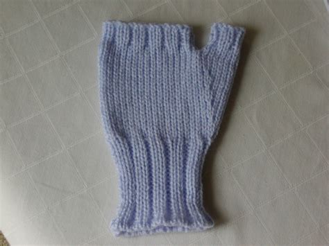 fingerless gloves knitting pattern addicted to machine knitting fingerless gloves machine