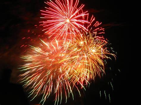 mazamet feu d artifice intercommunal au montagnes pour le 14 juillet tarn le tarn libre