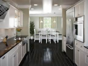 how to design a galley kitchen 25 best ideas about galley kitchen layouts on