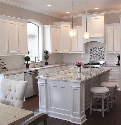 white cabinet kitchen pictures 25 best ideas about white kitchen cabinets on