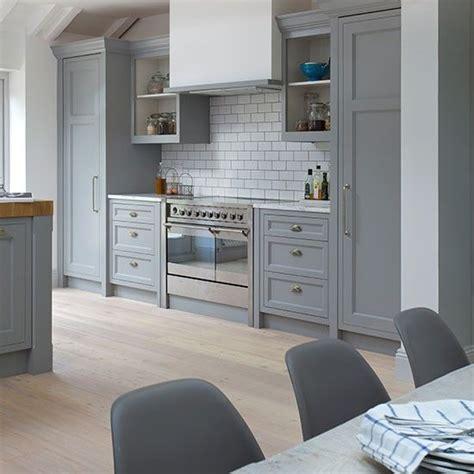 light grey shaker kitchen best 25 range cooker ideas on range cooker