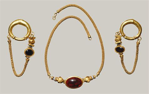 history of jewelry 4 remarkable moments in the history of jewelry jinja jewelry