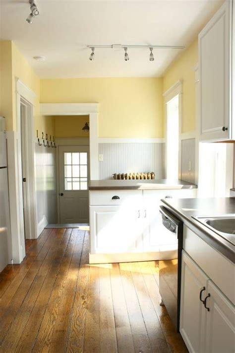 kitchen yellow walls white cabinets best 25 pale yellow kitchens ideas on yellow