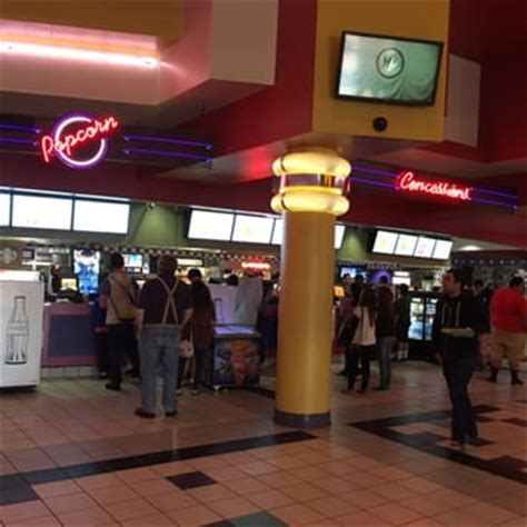 Garden Grove Cinema Regal Cinemas Garden Grove 16 82 Photos Theater