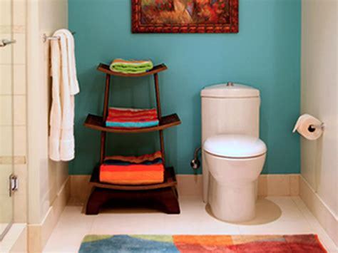 Inexpensive Bathroom Makeover Ideas by Chic Cheap Bathroom Makeover Hgtv