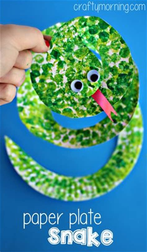 green crafts for 25 best ideas about jungle crafts on zoo