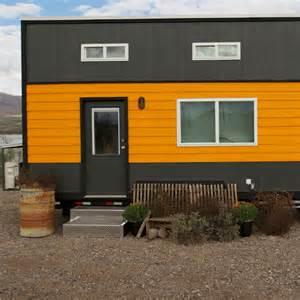 fyi tiny house nation tiny house nation tiny house tour surf shack chic fyi