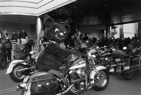 Harley Ride Makes Holidays Bright For Choc Patients Choc